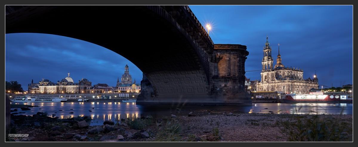 Dresden bei Nacht Uferpromenade
